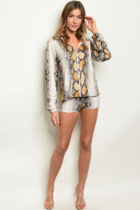 C51-A-1-SET31019 TAUPE SNAKE ANIMAL PRINT TOP & SHORT SET 3-3