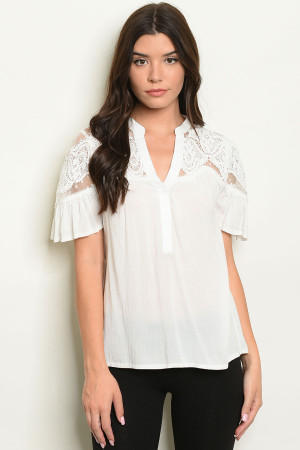 S9-19-2-T10295 OFF WHITE TOP 2-2-2