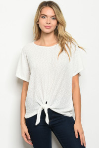 C37-B-5-T51401 OFF WHITE TOP 2-2-2
