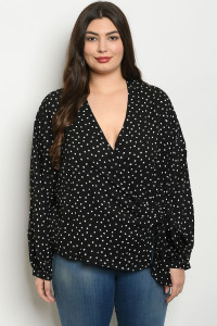 S10-19-4-T24662X BLACK WHITE WITH DOTS PLUS SIZE TOP 3-2-1