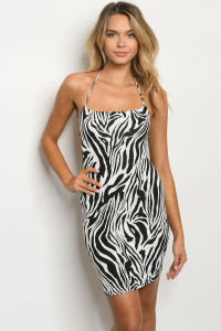 C3-A-1-D67071 WHITE BLACK DRESS 4-2