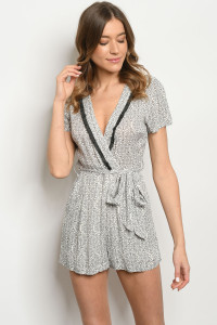 S10-19-1-R6424 GRAY OFF WHITE PRINT ROMPER 1-2-2