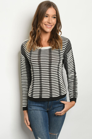 S25-5-1-S138 CREAM BLACK SWEATER 2-2-2