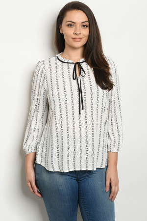 S9-7-2-T10714X OFF WHITE PRINT PLUS SIZE TOP 2-2-2