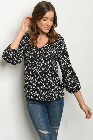 S9-5-2-T80031 BLACK OFF WHITE PRINT TOP 2-2-2