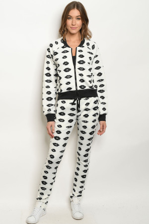 S13-7-1-SET70256 OFF WHITE WITH LIPS PRINT JACKET & LEGGINGS SET 2-2-2-1