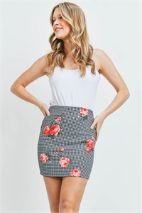 C28-B-1-S23440 BLACK WHITE RED CHECKERED SKIRT 2-2-2