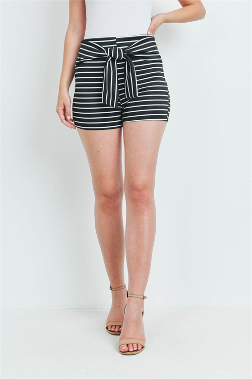 C84-A-1-S14565 BLACK WHITE STRIPES SHORTS 1-3-2