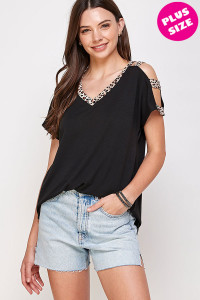 C42-A-3-WT6408X BLACK PLUS SIZE TOP 2-2-2