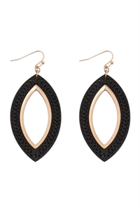 S22-11-5-E6925BK - MARQUISE WOOD LASER FILIGREE EARRINGS - BLACK GOLD/6PAIRS