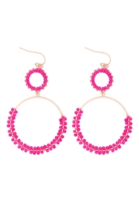 S1-5-3-GSE2303GDHPK - BEADED WRAP TEXTURE LINK HOOP EARRINGS - HOT PINK/6PCS