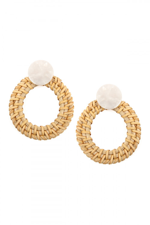 A2-3-3-AHDE2313NA NATURAL RESIN WITH RATTAN HOOP POST EARRING/6PCS
