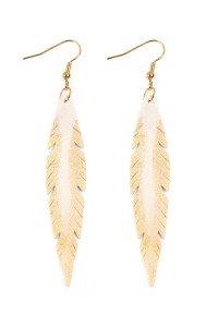 S4-4-3-AHDE2501WT WHITE GRUNGE FEATHER SHAPE LEATHER EARRINGS/6PAIRS