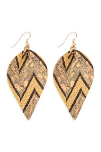 S4-6-3-AHDE2557BR BROWN PATTERN PRINTED CORK PINCHED MARQUISE EARRING/6PAIRS