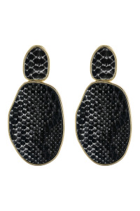 A3-2-3-AHDE2589BK BLACK SNAKE SKIN PRINTED FACETED POST EARRING/6PAIRS