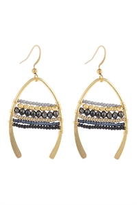 S22-10-3-HDE3049BK-MIXED BEADS WISH BONE DROP EARRINGS-BLACK/6PCS