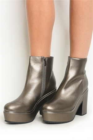 S1-P29-TEXT-3 PEWTER BOOTS 2-2-2-2-2/10PAIRS