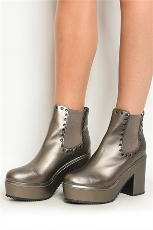 S8-P4-TEXT-1 PEWTER BOOTS 2-2-2-2-2/10PAIRS