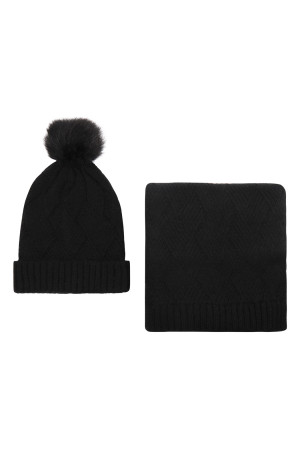 S2-8-1-ALY3621BK BLACK KNITTED BEANIE WITH POM MATCHING SCARF SET/6SETS
