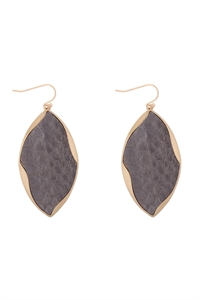 S22-11-5-ME4723GRY - ANIMAL PRINT WRAP GENUINE LEATHER EARRINGS-GRAY/6PAIRS