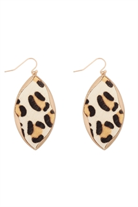 S22-11-5-ME4723WLEO - ANIMAL PRINT WRAP GENUINE LEATHER EARRINGS-WHITE LEOPARD/6PAIRS