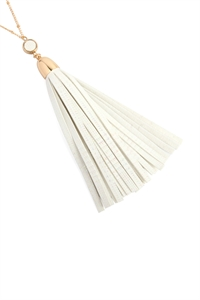A2-1-3-AMYN1106IV IVORY LEATHER TASSEL PENDANT NECKLACE/6PCS