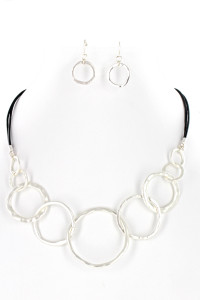 S1-1-4-LBN8136 MATTE SILVER CIRCLE FASHION NECKLACE & EARRING SET/3SETS