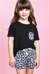 S16-10-3-PPP4060T-BKSTLGY-1 - TODDLER GIRLS TWO TONED TOP LEOPARD POCKET AND SHORTS SET- BLACK/STEEL GREY 2-1-1