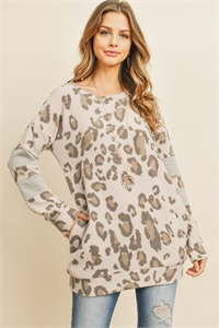 S4-1-2-PPT2038-LTCHLGY - FLEECED LEOPARD LONG SLEEVED TOP- LATTE CHARCOAL/GREY 1-2-2-2