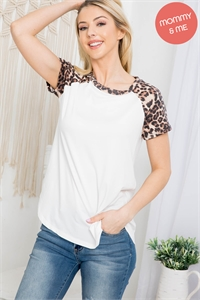 S15-7-3-PPT2159-IVBWN-1 - LEOPARD SLEEVE AND NECKBAND SOLID RIB TOP- IVORY/BROWN 0-2-1-2