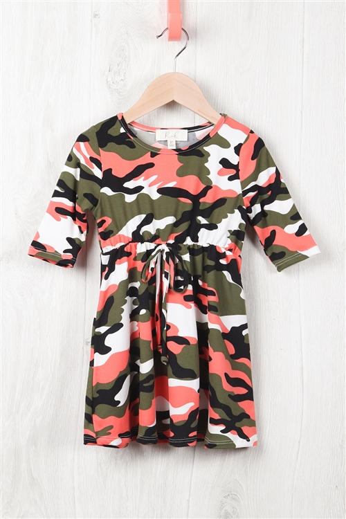 S10-4-3-RFKD1003QS-RCM010-CRLOV - TODDLER GIRLS QUARTER SLEEVE CINCH WAIST FRONT CAMO DRESS- CORAL OLIVE 2-2-2-2