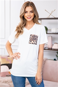 S10-15-3-RFT2056-RAP010C-IV-2 - LEOPARD POCKET V-NECK BOYFRIEND TOP- IVORY 0-0-0-5