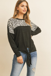 S14-9-1-M05-B-RFT2294-RAP125C-BKGY BLACK GRAY ANIMAL PRINT CONTRAST SELF TIE FRONT MIER TOP 1-2-2-2
