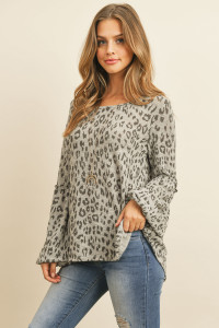 S11-3-3-RFT2376-RAP102-HG - PUFF RUFFLE DETAIL SLEEVE LEOPARD TOP- HEATHER GREY 1-2-2-2