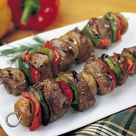 Beef Tenderloin Kabob with Peppers and Onion 8 oz