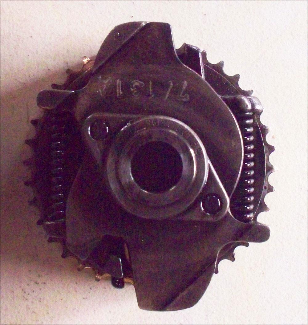 Crankshaft Vacuum Pump Gear OM601 OM602 OM603 OM604 OM605 OM606 Diesel W124  W126