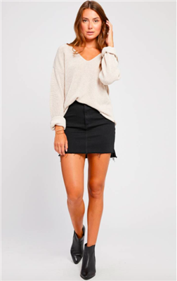 ladies long sleeve v-neck sweater in oatmeal