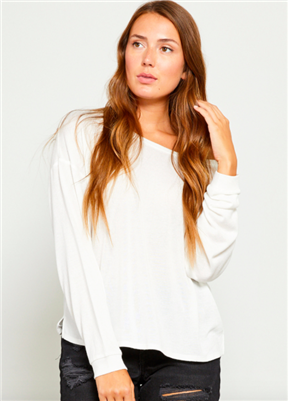 ladies long sleeve scoop neck sweater in off-white