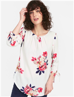 ladies 3/4 sleeve cream floral top