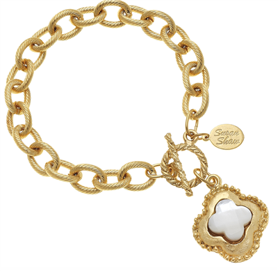 Gold Chain Bracelet with toggle closure with another of  pearl accent
