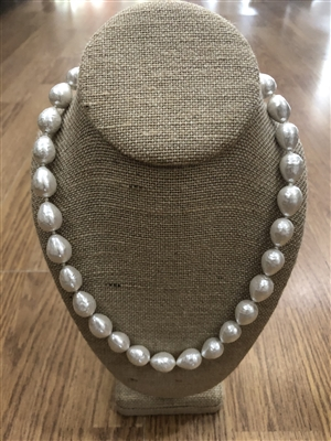 ladies 23 inch long strand of white freshwater pearl necklace