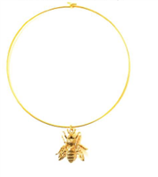 gold plate circle choker necklace with gold bee pendant