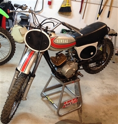 1974 Yamaha YZ80 A  background ovals - Black