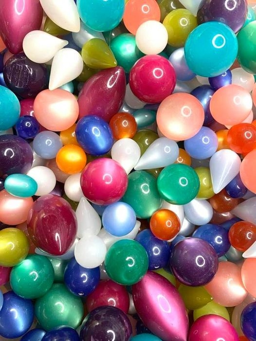 BD03215, Moonglow Lucite, Vintage Moonglow Beads, assorted colors of moonglow lucite, undrilled beads, true vintage, lucite beads, party colors, vintage design, artisan designer, jewelry making, making jewelry with vintage beads, B'sue Boutiques