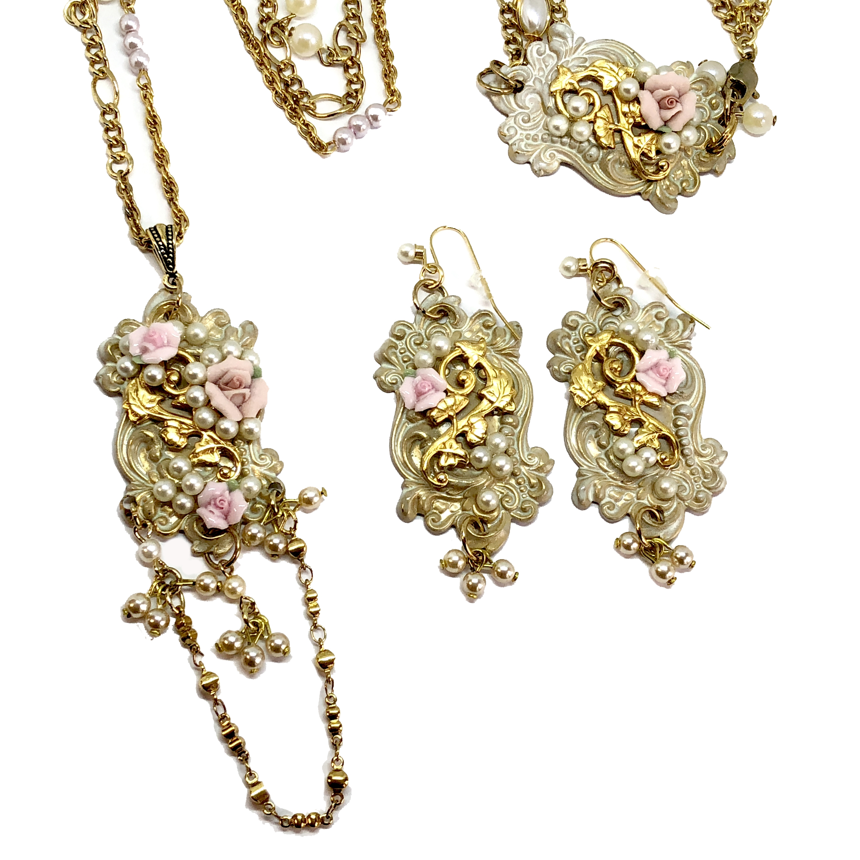 Parure Set, Necklace, Bracelet, Earrings, 05358, pearl chain, bisque rose necklace, bsue boutiques, college necklace, necklace making, jewelry making, jewelry set, bsue boutiques, 3 piece jewelry set, classic gold jewelry, bisque rose jewelry set