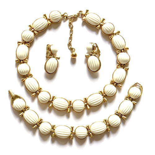 Simulated Ivory parure set, 07639, gold plated, imitation ivory, ivory, ivory cabochons, trifari, designer set, Bsue Boutiques,  jewelry supplies, vintage jewelry, set