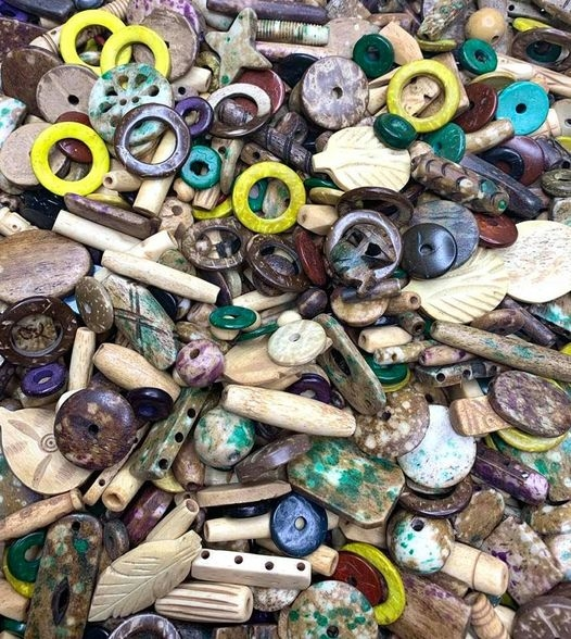bd05003, bone, wood, bead mix,tie dye, bone beads, boho designer beads, boho supplies, Boho style, coco wood, hippie, hippie jewelry, natural materials, earth mother, earthy, one of a kind, wooden beads, colored wooden beads, tea dyed bone beads