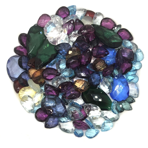 assorted briolettes, acrylic beads, 07352, vintage, vintage beads, beading, making beaded jewelry, briolettes, vintage briolettes, pear shaped beads, tear drop, purple, sapphire blue, green, assorted sizes, assorted colors