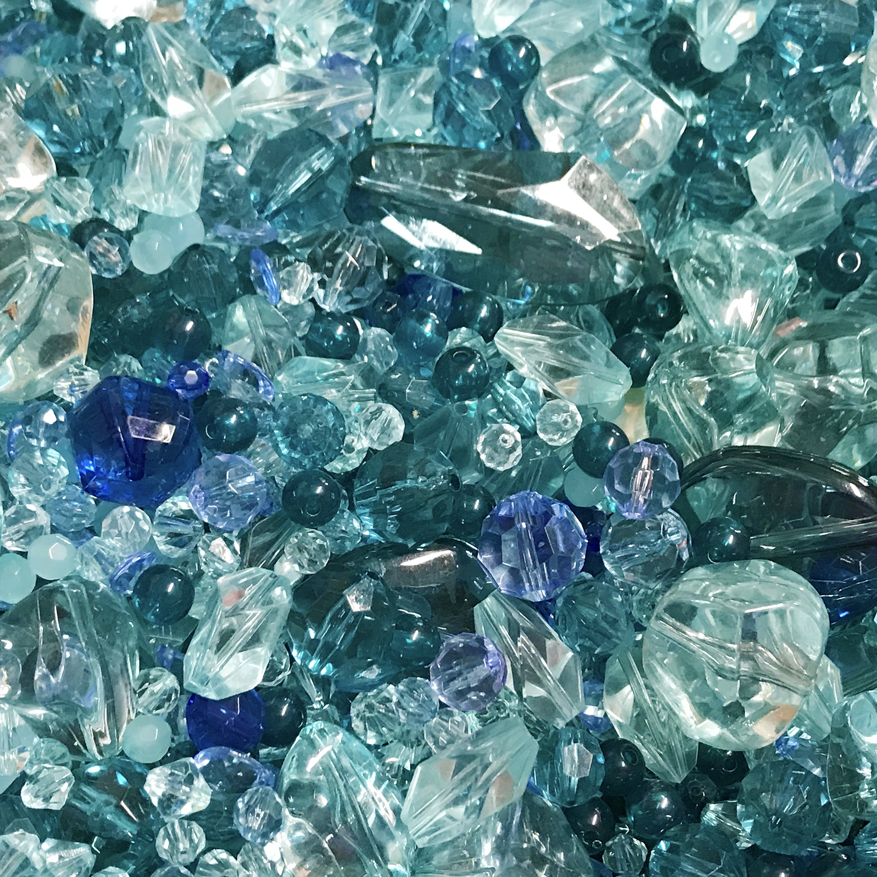 Ocean so Blue II bead mix, designer beads, acrylic beads, colorful beads, designer quality beads, plastic beads, crystal Zircon beads, teal beads, assorted beads, mixed beads, Montana blue beads, beading supplies, B'sue Boutiques, 0913