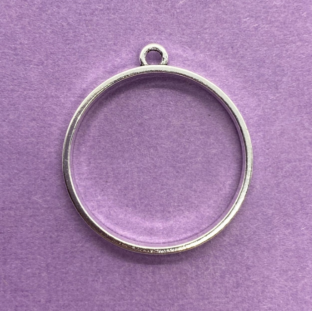 round open back bezel, backless mount, silvertone, 04905 frame pendant, backless pendants, vintage jewelry supplies, jewelry parts, jewelry making supplies, Bsue Boutiques, bezels, circle, mounts, resin, circular bezel